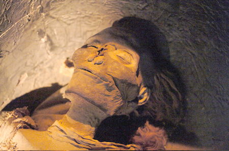 Queen Hatshepsut   s mummy may have been recently discovered just inQueen Hatshepsut Tomb Discovered